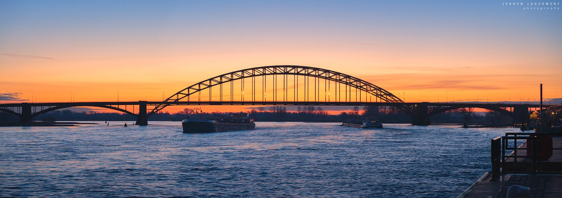 Waalbrug panorama